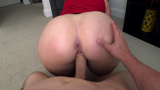 Big booty bitch Virgo Peridot took his shaft balls deep while in POV