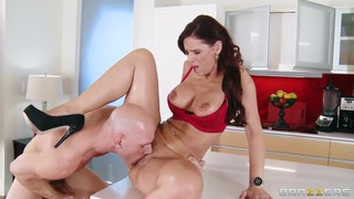 Johnny Sins fucks gorgeous MILF Syren De Mer