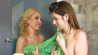 Skinny teen having fun with her blondie stepmom Aaliyah Love
