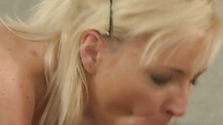 Young muscled dude fucks blonde mature lady