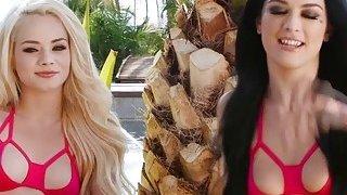 Gorgeous babes Elsa and Katrina enjoys threesome sex