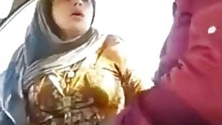Good looking Pakistani slut sucks a cock in the car